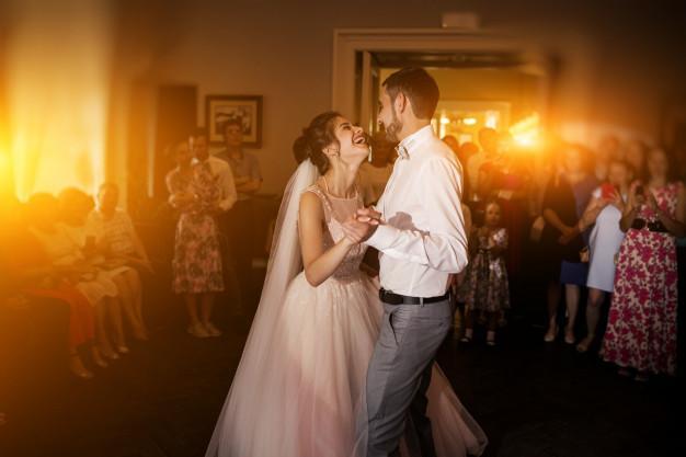 Couple mariage danse 1303 10552